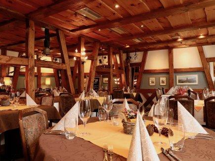 Gaststube im Restaurant Hotel Weisses Kreuz in Breitenbach