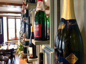 Wein im Restaurant Weisses Kreuz in Breitenbach