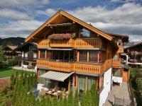 Blick von Süden auf's Landhaus Alpenflair