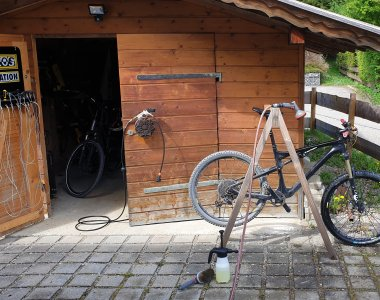 Waschplatz mit Werkzeug
