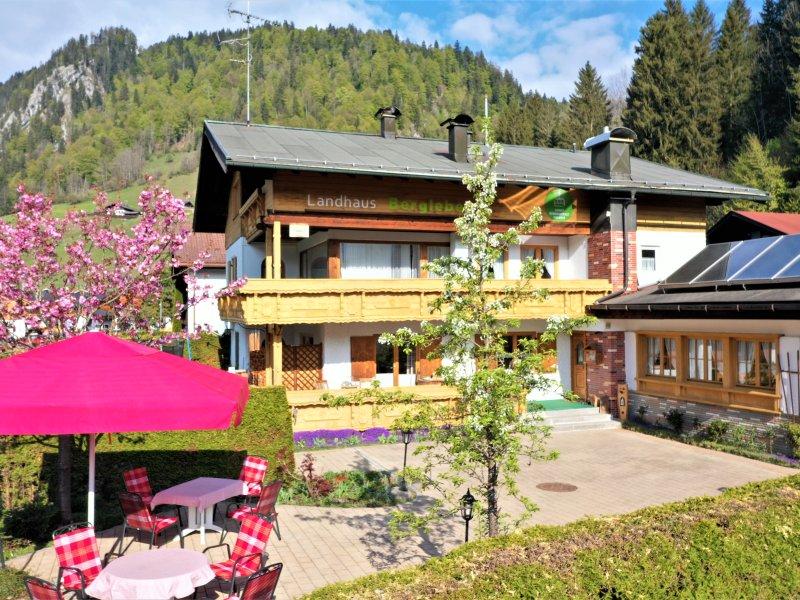 Haus im Frühling_5