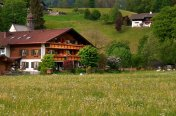 Landhaus Bickel - Hausansicht Sommer