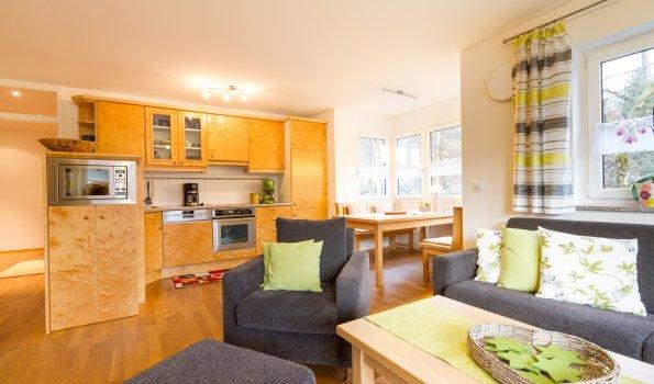 Wohnung am Fuggerpark - Wohnzimmer -
