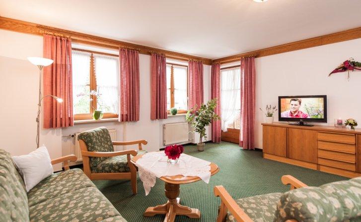 Wohnzimmer der Ferienwohnungen Nr. 2 und 4