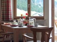 Semmelservice oder Frühstück im Nebenhaus