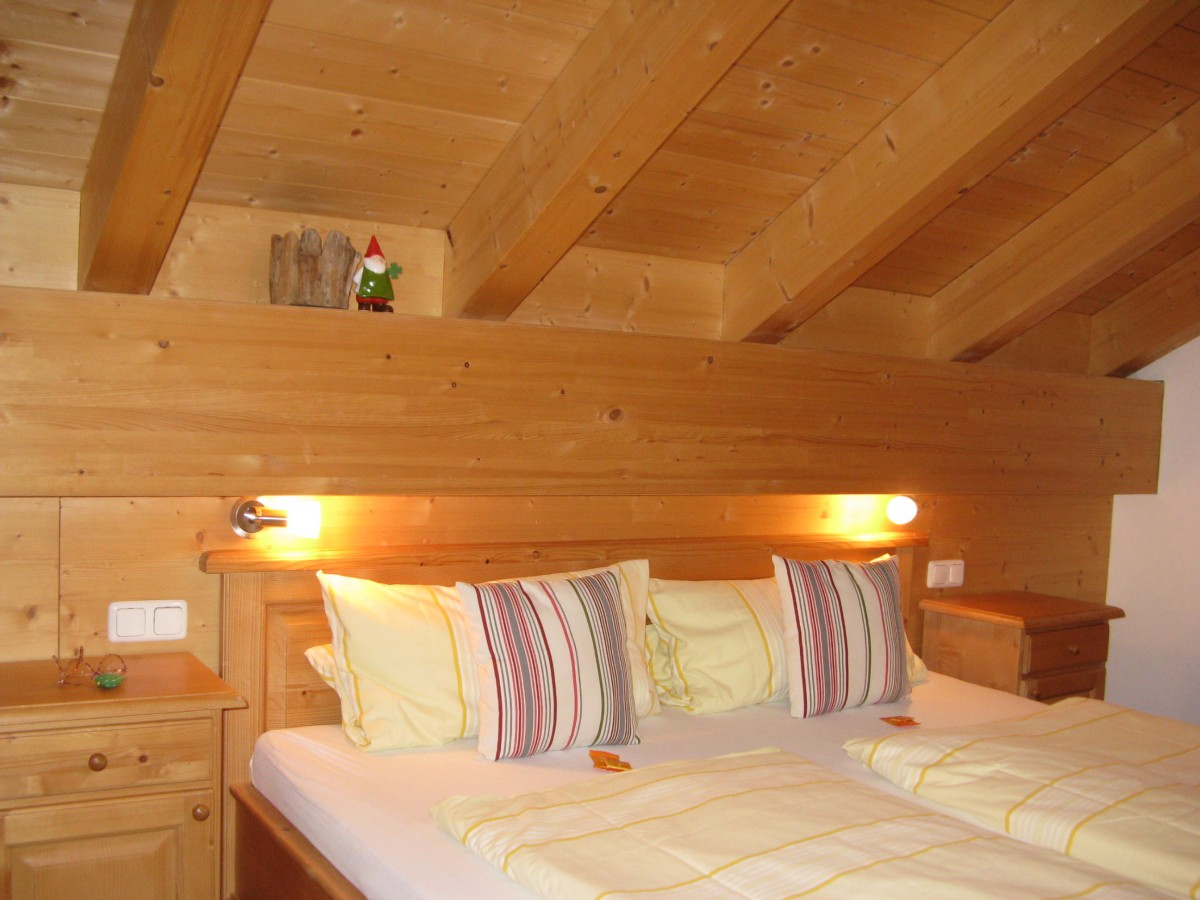 Dachwohnung Schlafzimmer 3