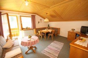 Komfortabel und gemütlich, das Wohnzimmer unserer Wohnung Rubihorn