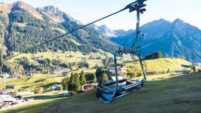 Heuberg Sessel mit Aussicht (c)  - Oberstdorf Kleinwalsertal Bergbahnen