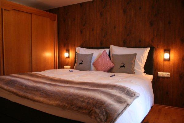 Schlafzimmer 2 Ferienwohnung Bergkristall