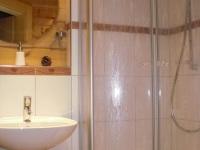 schönes Bad im Holzhaus