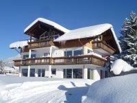 Landhaus Steinbock_Außenansicht Winter
