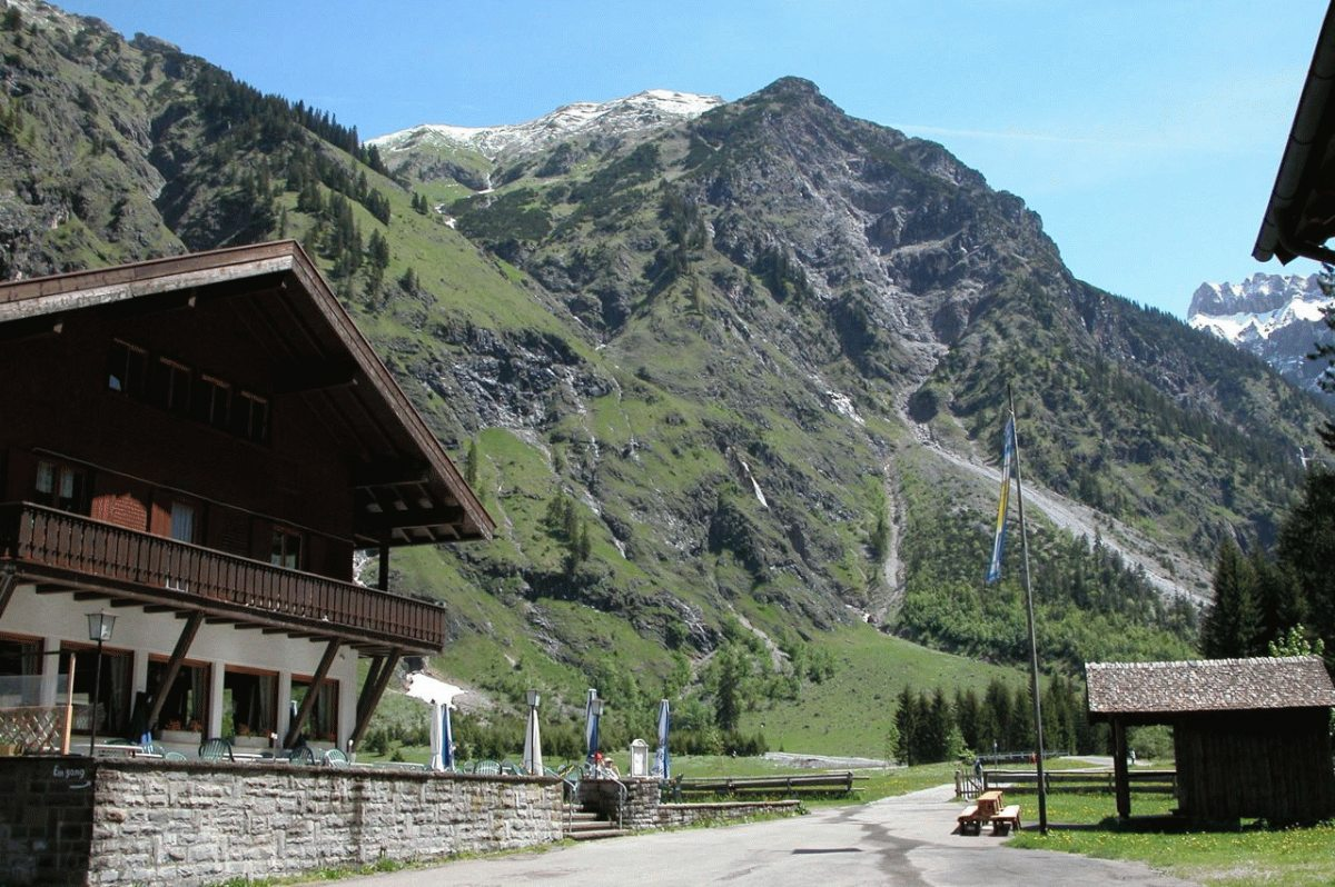 Oytalhaus im Sommer