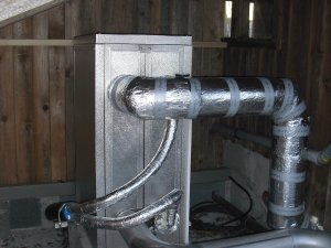 Wärmetauscher angeschlossen und unter Dach