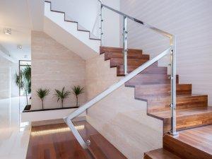 Wir bauen stylische und klassische Holztreppen