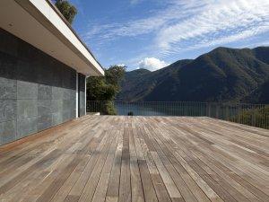 Schöne Terrassen gibt es von Holzbau Metzler nach Ihren Wünschen