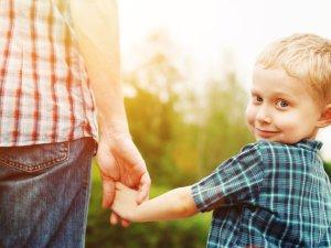 Wohnen mit Holz ist perfekt für Familien