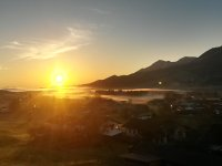 Sonnenaufgang über dem Grüntensee vom Balkon