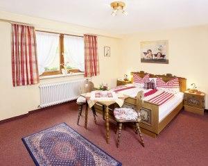 Wohnung 4 - Schlafzimmer