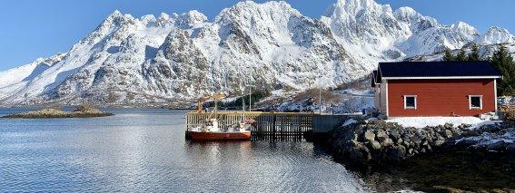 Skitouren Lofoten 2019 - Bootssteg Austnesfjorden