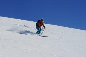 Skitouren, Tiefschneekurse, Abfahtz im Pulver
