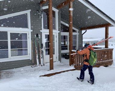 Artic Lyngen Sea Camp, Rückkehr von einer Skitour zum Storhaugen