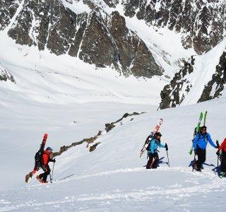 Skitouren-haute-route-classic-ski-rücksack-gruppe
