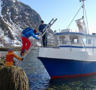 Skitouren vom Boot am Lyngenfjord, Anlandemanöver