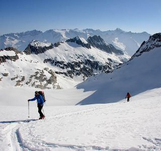Berner Oberland Haute Route www.mountain-spirit.de Aufstieg Tierbergli Huette