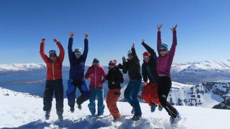 Skitouren Island Dalvik Gruppe am Gipfel