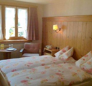 Csm Doppelzimmer Hotel Sonne Andermatt  c76e9f1b23