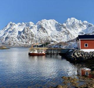 kleiner Fischereihafen auf den Lofoten
