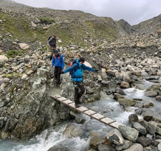 kleine Brücke auf dem Weg zum Piz Buin