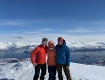 3 Freunde auf dem Gipfel des Store Kjostinden, Lyngen Alps
