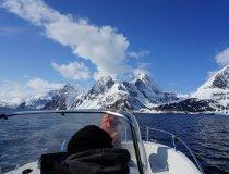 Motorboot auf dem Lyngenfjord, Anfahrt zum Reindalstinden