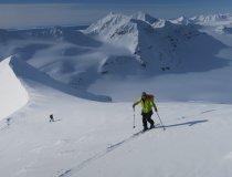Aufstieg im Inneren der Artikinsel Spitzbergen, Skitouren mit dem Segelschiff Nooderlicht