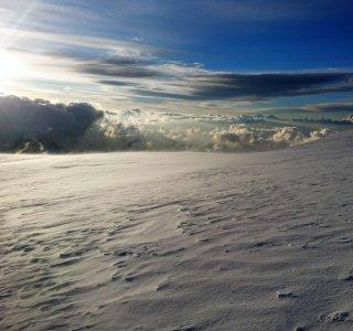 Sonne, Wolken, Gipfel