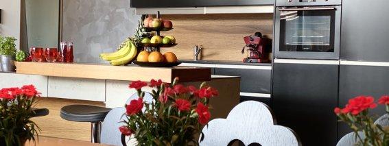 N6, Siebenschön Küche mit Blumen