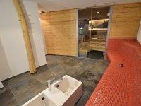 Finnische Sauna und Fußbecken