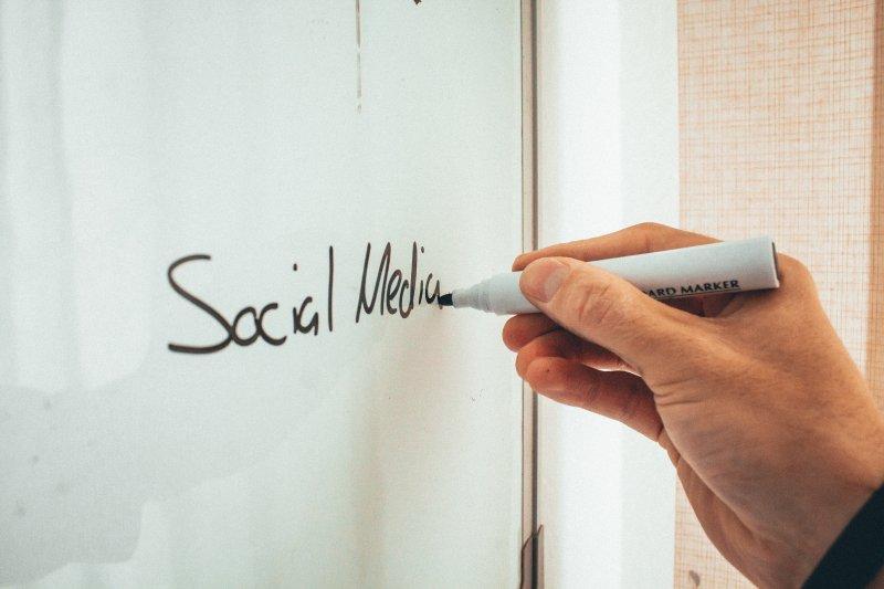 Whiteboard Social Media (c) Malte Luk