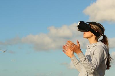 Virtual Reality © pexels.com