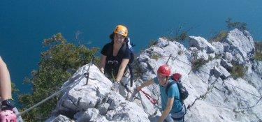 Klettersteigler beim Aufstieg