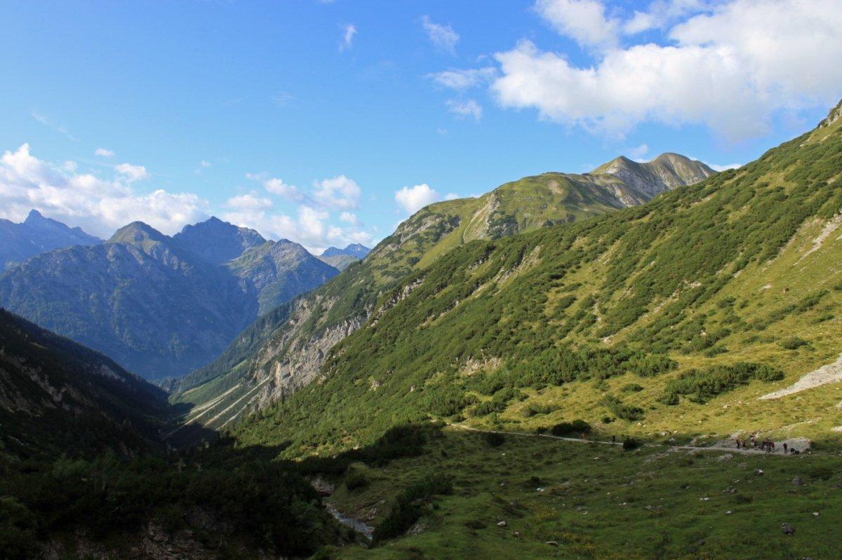 2. Tag - Durch das Höhenbachtal steigen wir hinab nach Holzgau im Lechtal