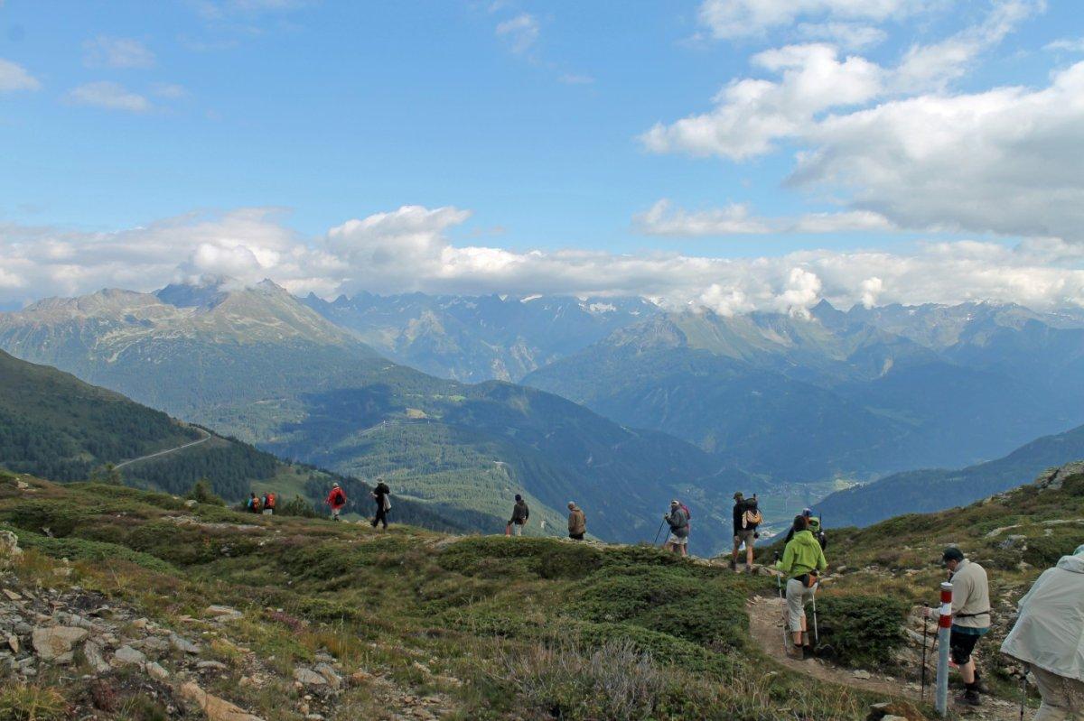 3. Tag - Vom Krahberg wandern wir auf einem wunderschönen Höhenweg zur Galflunalm
