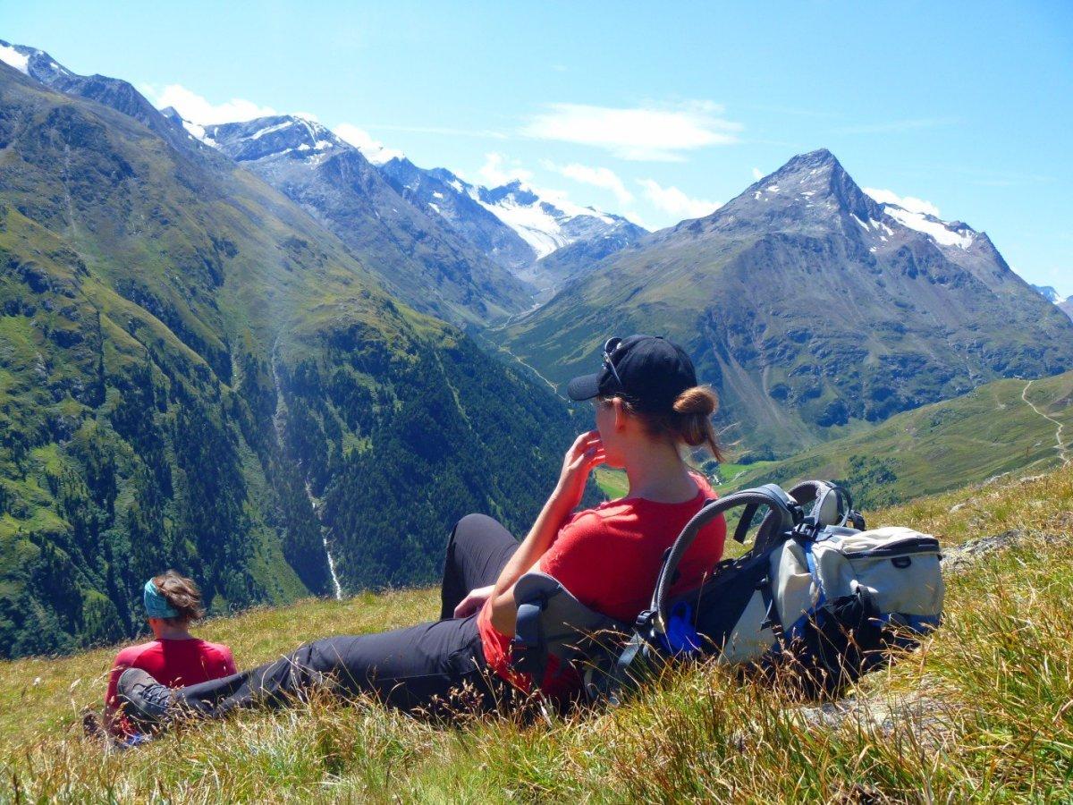 5. Tag - Pause vor nach Vent (1.896 m), von hier sehen wir schon unseren Weg für den nächsten Tag und den Similaun-Gipfel