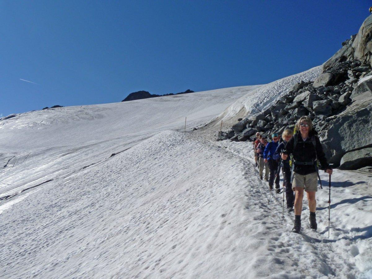 5. Tag - Der Abstieg ins Skigebiet von Sölden führt immer wieder über Schneefelder