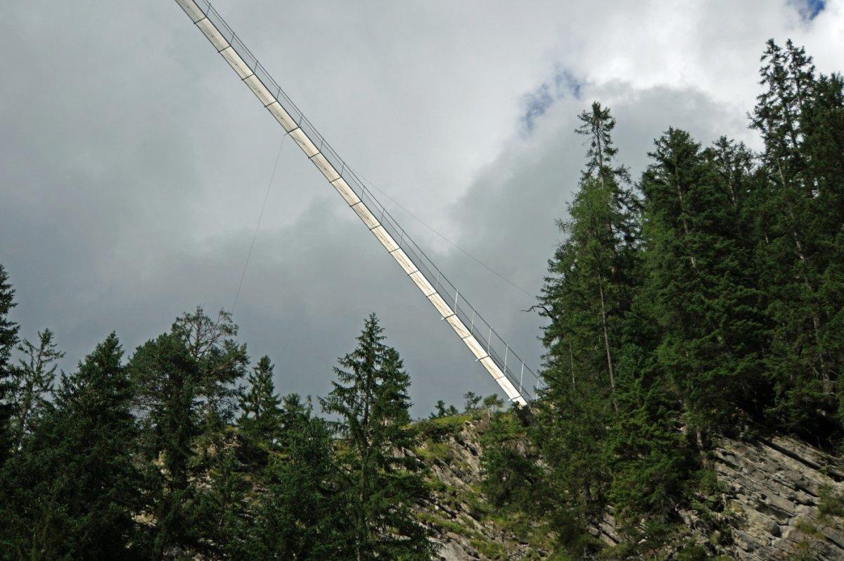 2. Tag - Die Alternativroute führt über die Holzgauer Hängebrücke