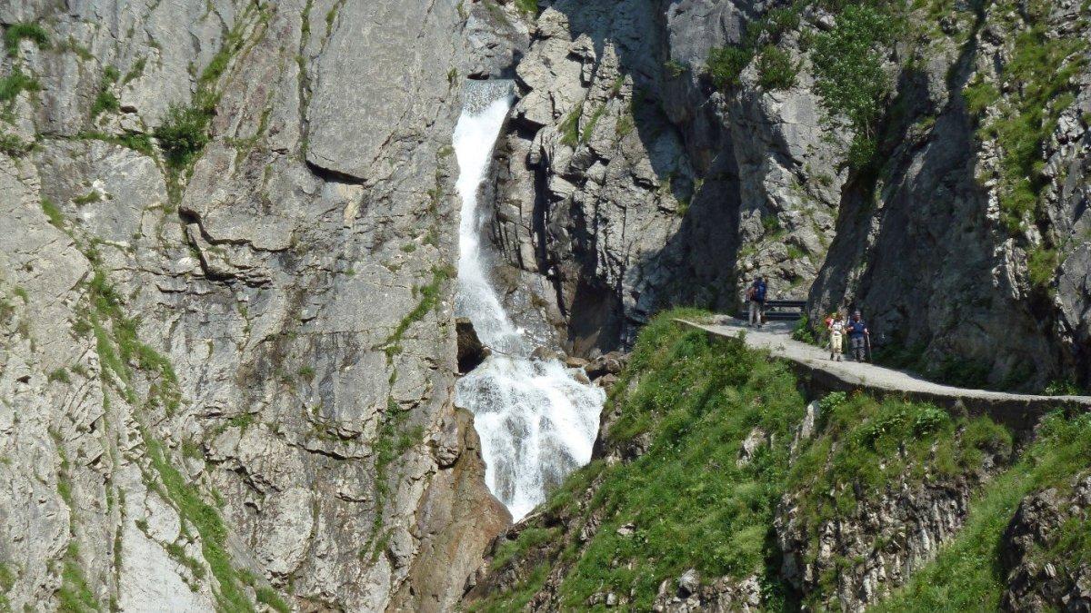 2. Tag - Die Simmser Wasserfälle sind ein beliebtes Fotomotiv und immer einen Besuch wert
