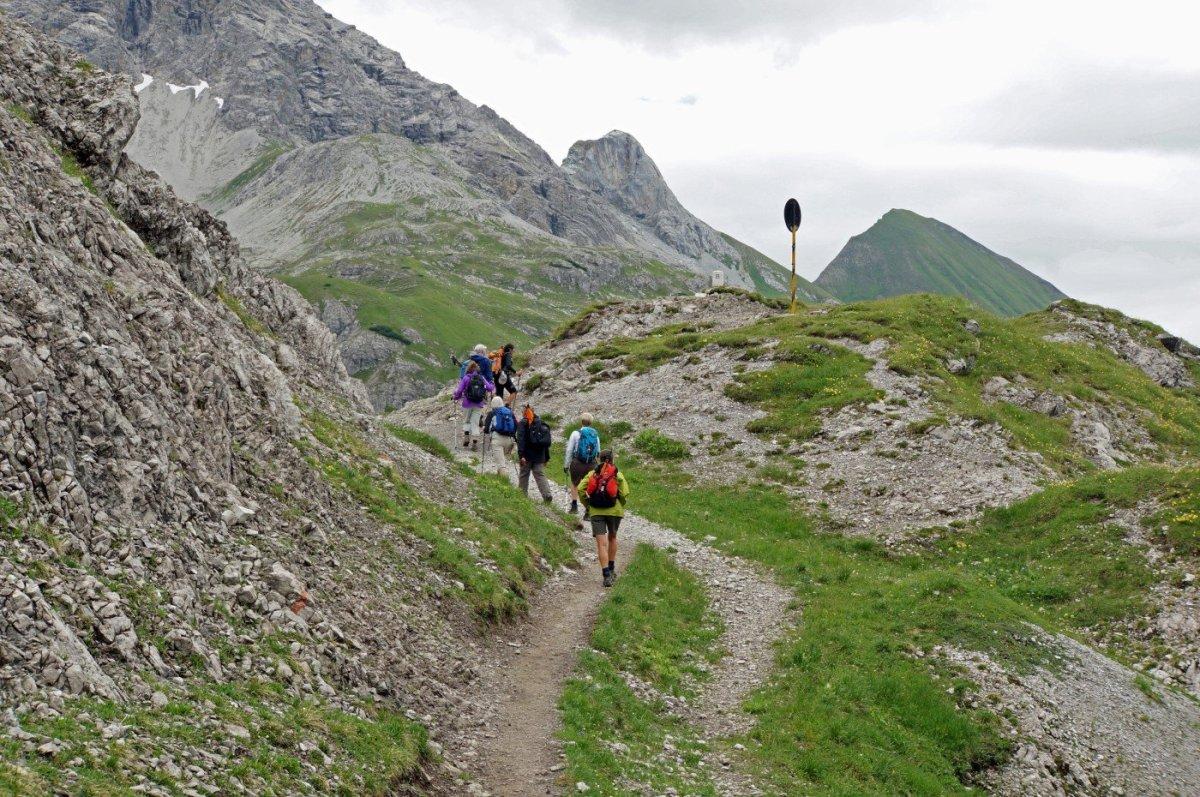 2. Tag - Ein guter Steig führt uns zum Mädelejoch (1.974 m), an der deutsch-österreichischen Grenze