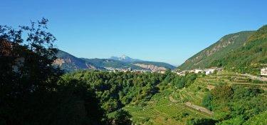 Das kleine Dorf Segonzano ist bekannt für seine berühmten Erdpyramiden