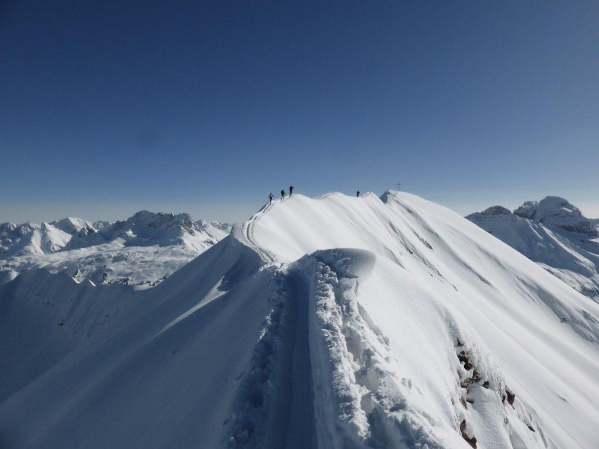 1. Tag - Bei guten Verhälnissen ist die Besteigung der Höferspitze (2.131 m) möglich